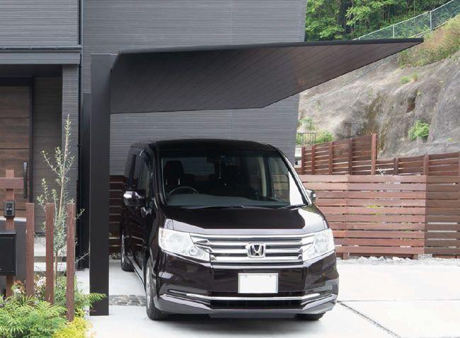 黒のカーポート 屋根も柱もブラックで統一しよう カーポート全国施工販売 カーポート専門館 カーポート カーポートのデザイン ガレージのアイデア