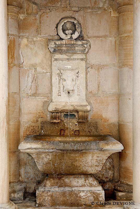 Fontaine du Boeuf couronné, Lyon - Par Claude Devigne