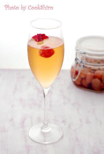 バラといちごブランデーでシャンパンカクテル by コックしろさん ...