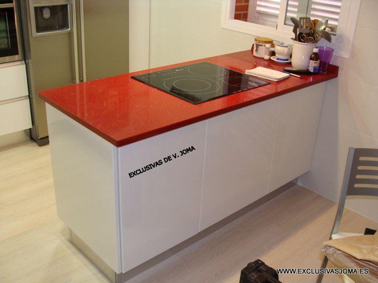 Muebles de cocina en blanco alto brillo con tirador en for Muebles de cocina con encimera