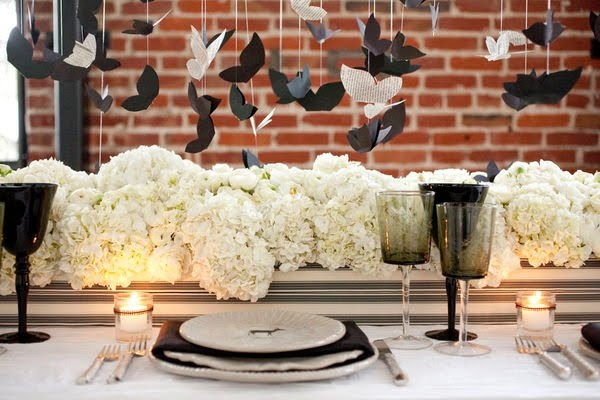 Floating/suspended centerpiece!  Made with cutouts and carnations.  So cool.: White Tables, White Wedding, Black And White, Paper Birds, Black White, Tables Centerpieces, White Decor, White Bouquets, Wedding Centerpieces