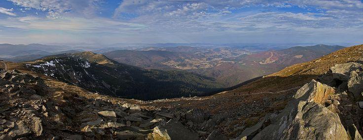 Panorama gór Polski - Widok z Diablaka na Zawoję