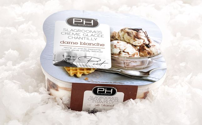 Restyling Piet Huysentruyt's Whipped cream – Ice Cream. Meet the seductive 'dame blanche' ! Can you resist her? www.quatremains.be