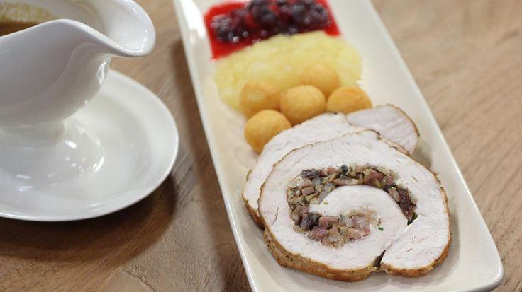 Op grootmoeders wijze met Christoff: gevulde kalkoenborst, appel- en perencompote, veenbessen en champagnesausje | VTM Koken