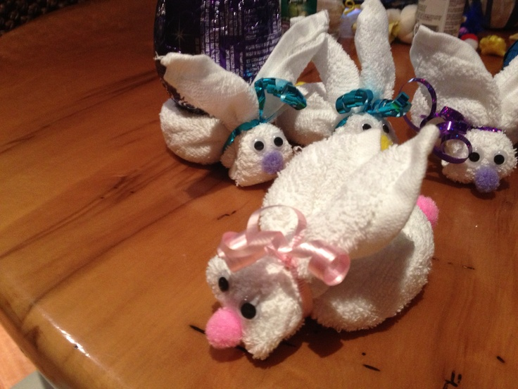 Easter facewasher bunnies Very easy to make......and adorable