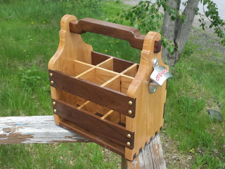 Beer Tote - Woodworking creation by Mitch Breault