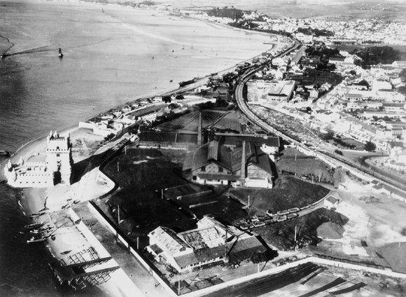 Fotografia aérea sobre a zona de Belém, vê-se a