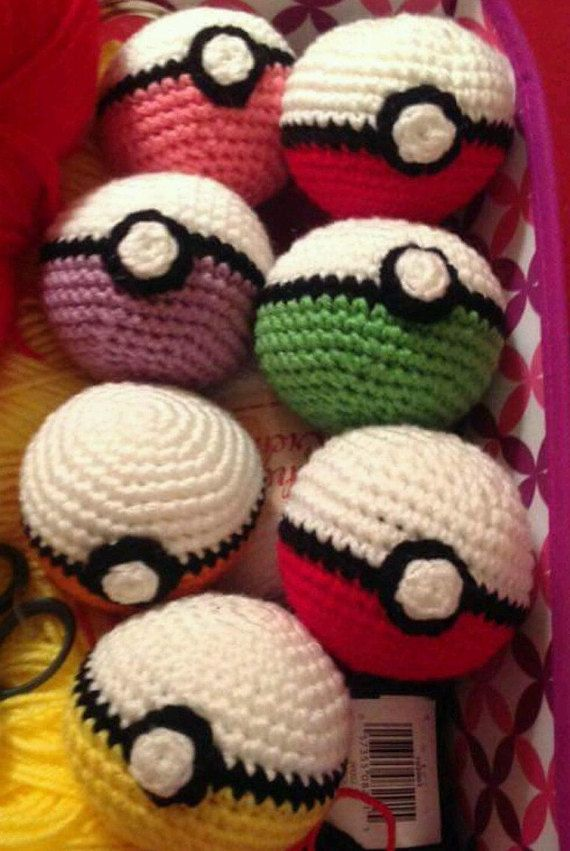 Crochet Pokemon Pokeball/ any color