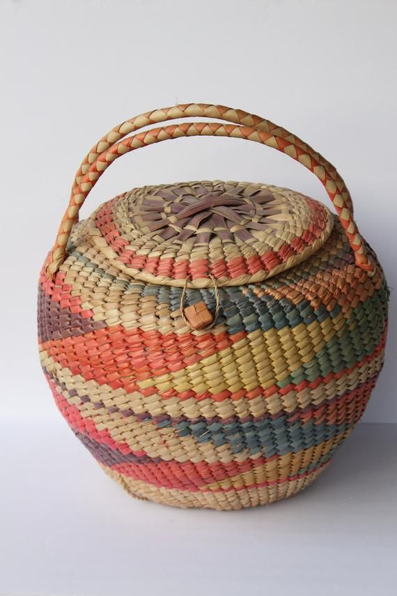 Large Rattan Basket With Lid And Handle Abstract Design African Market Woven Locking Decor Beautiful