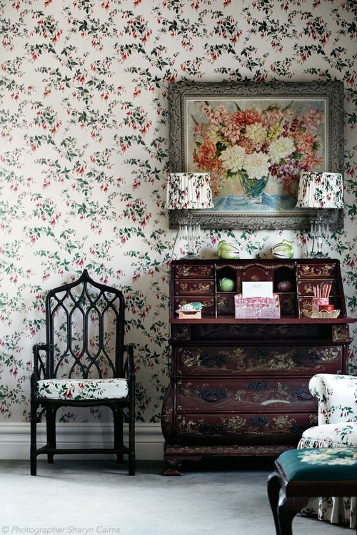 A painting by Laure-Stella Bruni sits above an ornate 18th-century Dutch writing desk.