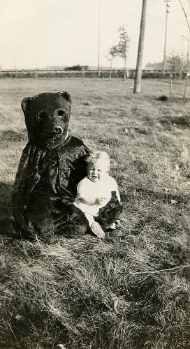 Kids creepy vintage Halloween costumes. Bear terrifies small child