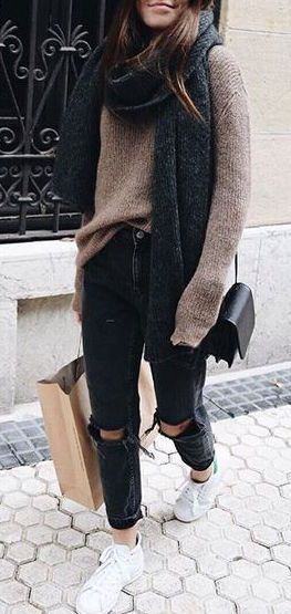 cozy outfit : scarf + sweater + rips + sneakers