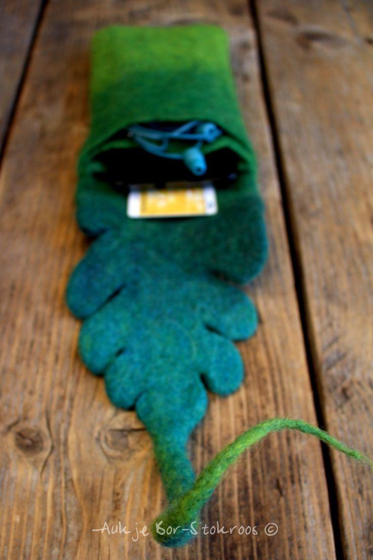 smartphone case | felt | 3 pockets