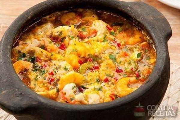 Receita de Moqueca de peixe e camarão especial em Peixes, veja essa e outras receitas aqui!