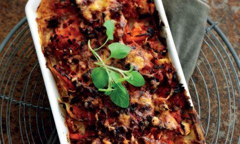 Lækker lasagne i en slankeversion med hvidkålsblade, bladselleri og blomkål - mums!