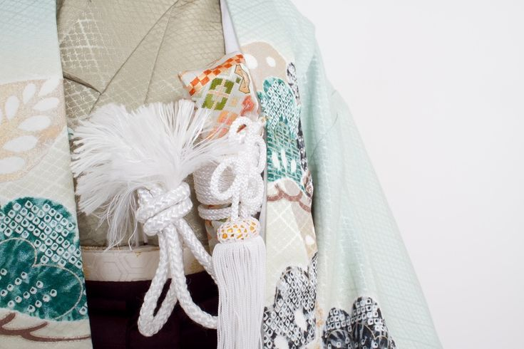 薄水色着物赤茶袴5歳男児 七五三 | きもの六花(ricca)は、大阪・北区・中崎町の和裁・着付け・着物販売・着物レンタル・和裁教室・着付け教室・和装婚礼・着物お仕立てのお店です。
