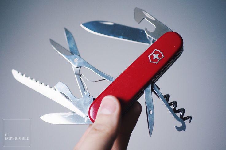Victorinox. La navaja suiza se ha convertido en un habitual de mis bolsillos junto con la cartera, el móvil, las llaves y un cuaderno.
