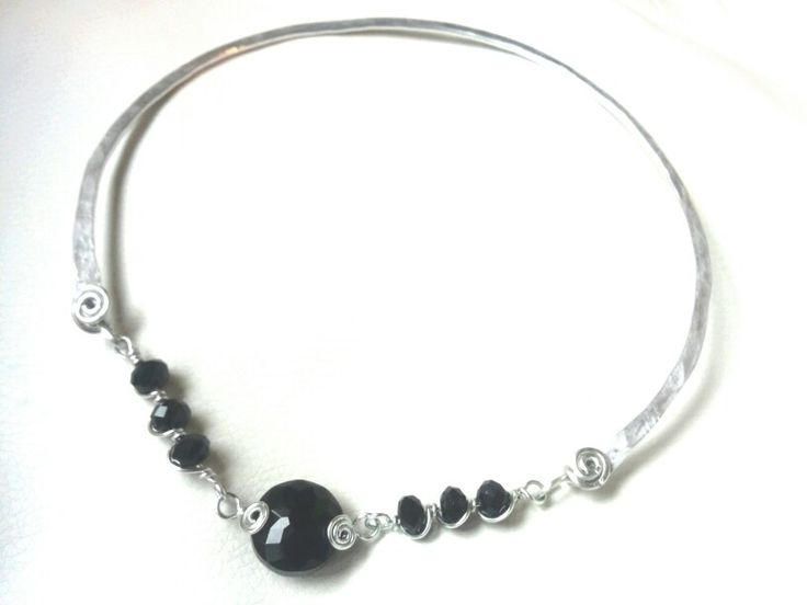 Wire collar necklace jewelry
