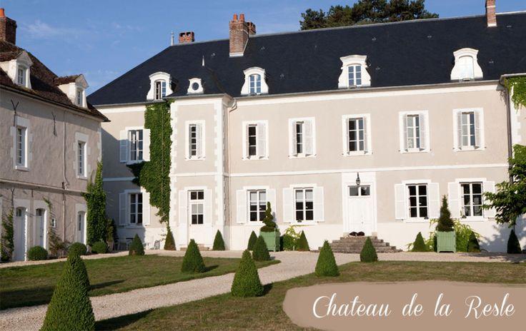Během cestování po Francii není možné si nevšimnout typických francouzských zámků a paláců. Château de la Resle je usedlost, která patří Johanu a Pieterovi a nabízí mnohem více, než jen kouzlo dávných časů. Dvojice si v bývalém sídle francouzského aristokrata zařídila luxusní hotel. Od doby, kdy se Johan a Pieter přestěhovali z holandského Heusdenu do …