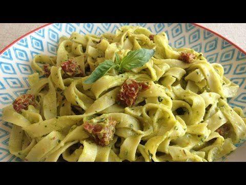 Muy Locos Por La Cocina: Fettuccine con Pesto de Aguacate y Tomates Secados al Sol