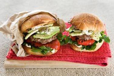 Beef burgers with avocado and horseradish – Recipes – Bite