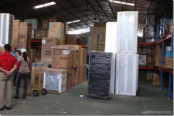 Allanado depósito con equipos de línea blanca y electrodomésticos en Maturín - http://www.leanoticias.com/2013/11/23/allanado-deposito-con-equipos-de-linea-blanca-y-electrodomesticos-en-maturin/