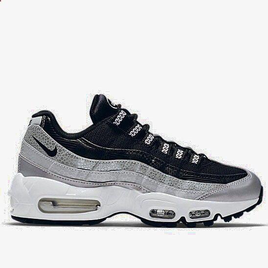 Nike Air Max - Essential Sneaker (Women)