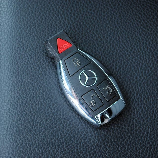 How to Reset a Mercedes Ml320 Key FOB