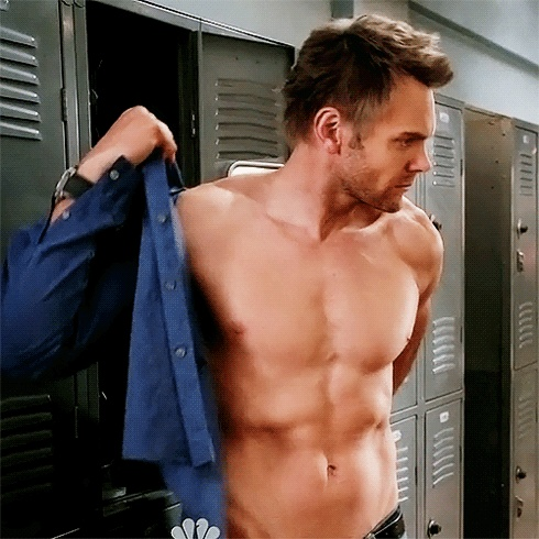 Joel McHale (this goes out to anyone who doesn't think he's hot. BOOM)