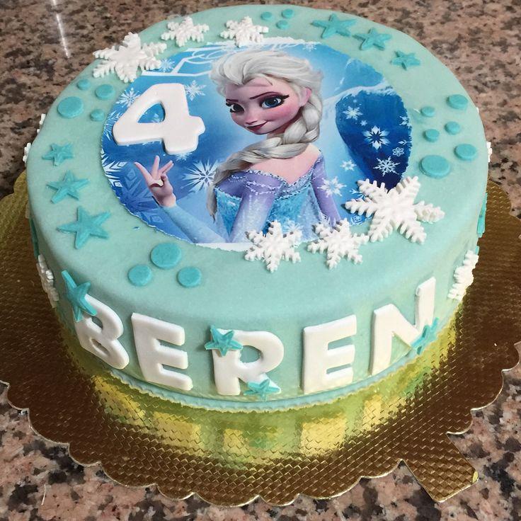 Beren'in 4 yaş pastası (itiraf ediyorum, kolaya kaçtım. Ama güzel oldu.) #birthdaycake #elsacake #disneyfrozencake