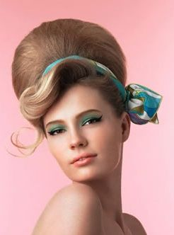 pin-up-hairstyle-for-medium-hair-13