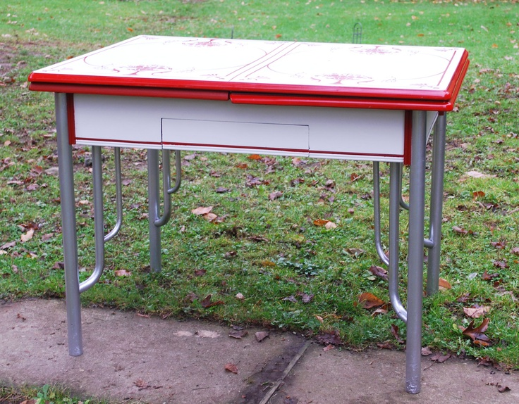 What Is The Value Of Vintage Enamel Kitchen Table