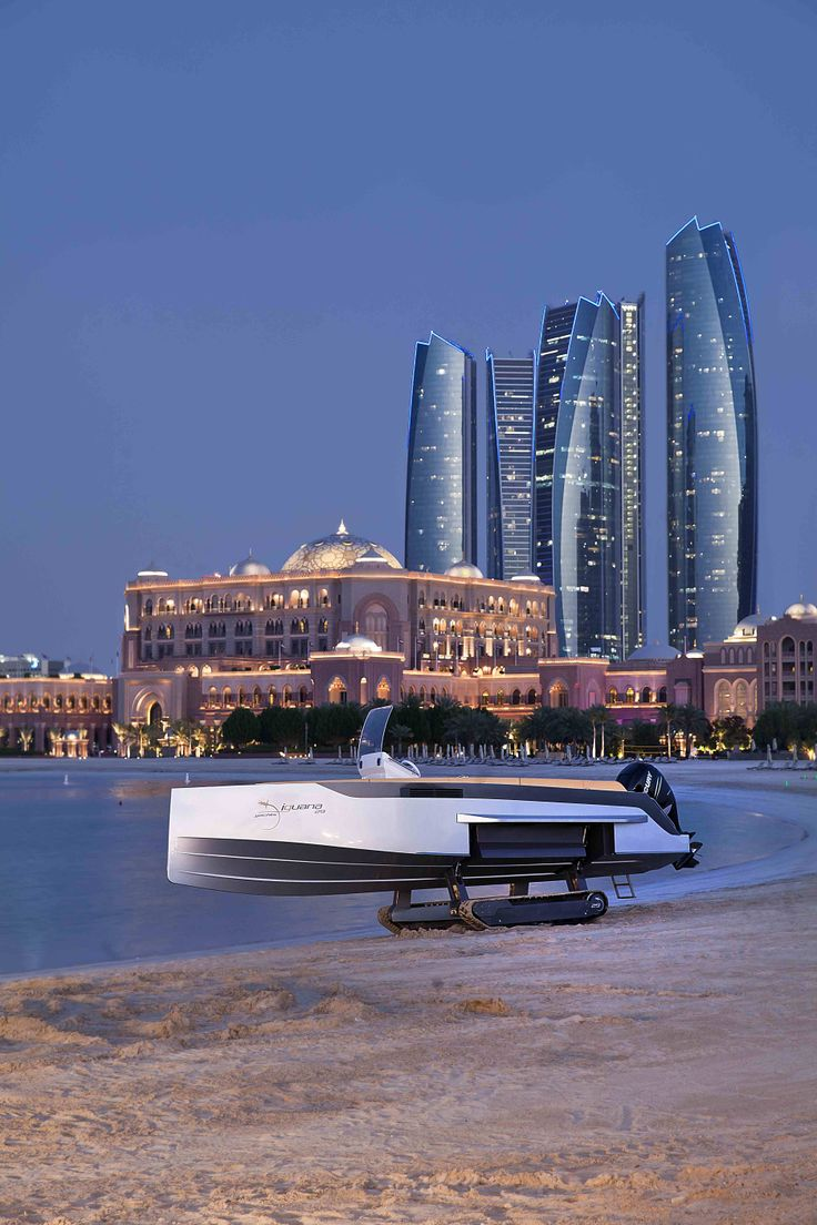 Amphicat for sale amphibious atv pictures - Iguana 29 Amphibious Boat In Landed On The Beach In Front Of The Emirates Palace