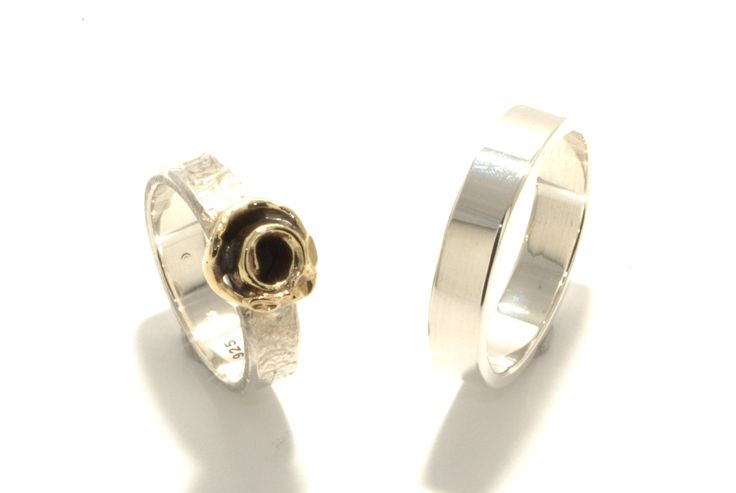Gold Rose: Silver, yellowgold, oxidised, structure / Zilver, geelgoud, geoxideerd, structuur