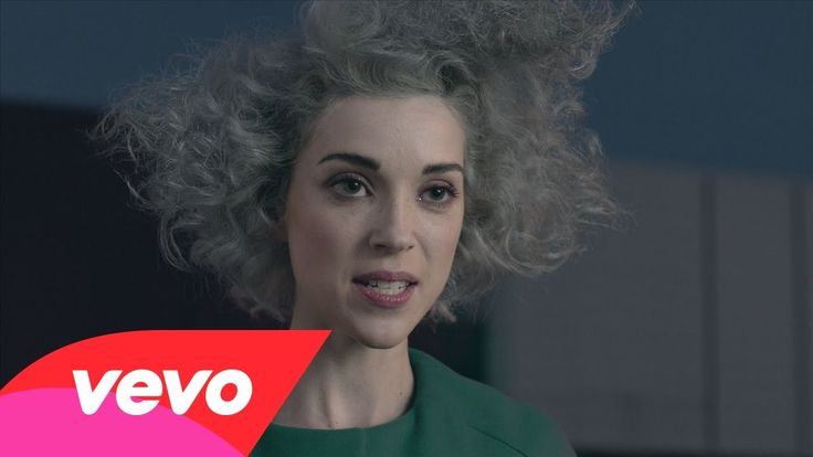 St. Vincent - Digital Witness. Annie é duma presença q tatua na sua mente, e mais com esquisitices new age. (Annie Clark has such a presence that gets herself tattoed into your mind. Even more when there are some new age weirdness) (dir.: Chino Moya) (07/02)