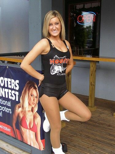 Pin On Hooters Girls-5535