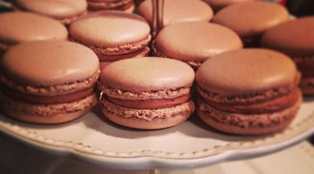 Confection de coques de macarons presque inratables*: