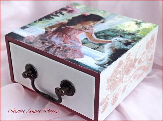 Girls jewelry box girls birthday present by BellesAmiesDecor