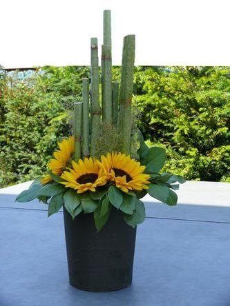 Bloemstuk maken met zonnebloemen - bloemstukken zelf maken met online bloemschikcursus - gratis leren bloemschikken