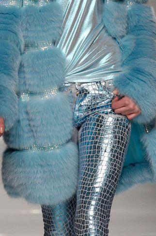 silvery blue fashion.  Another fabulous @shauna lee lange arts advisory curation.