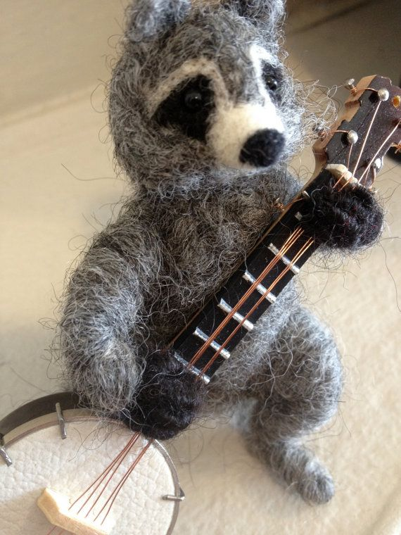 animals playing banjo - photo #9