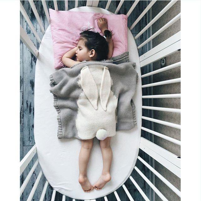 Sofá Cama de Bebé recién nacido Manta de Bebé de Punto de Lana de Conejo de Dibujos Animados Cobertores Colcha Mantas Toallas de Baño Estera del Juego de Regalo 73*105