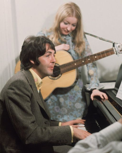 The Glass Onion Beatles Journal: Vintage pic: Paul McCartney and Mary Hopkin