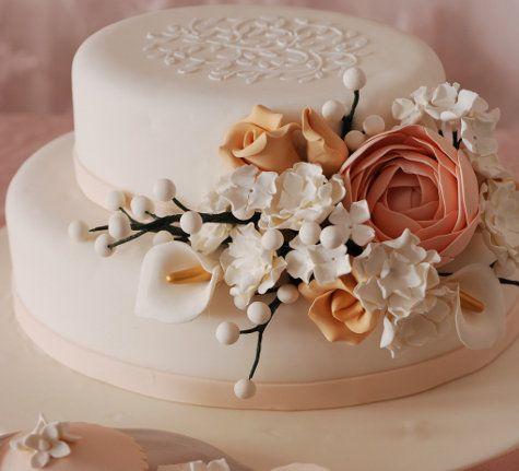 Çiçekli Nişan Pastaları