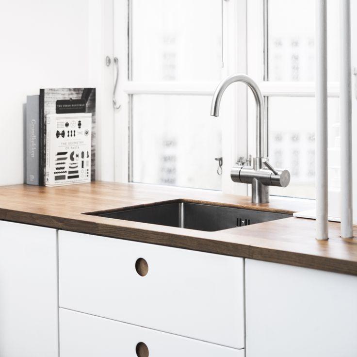 Reform / Kitchen / Basis 01 / Home / Interior / Design / Classic Basis01 Reform kitchen in a Copenhagen home www.reformcph.com