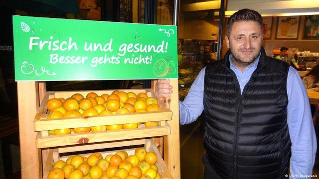 Νίκος Δραμιτινός: ακόμη και τα πορτοκάλια είναι από την Ελλάδα   Ο «Γρηγόρης» στη Γερμανία   Μ...