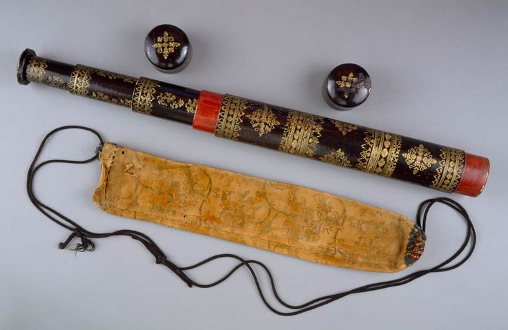 Telescope with Monogram VOC (Dutch East India Company), Japan or Indonesia, mid-late 18th century, lacquer, pasteboard, gold, cotton