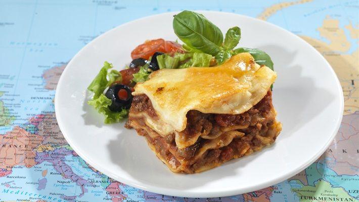 Med oppskrift på hvit lasagne saus inkludert =) Lasagne - MatPrat