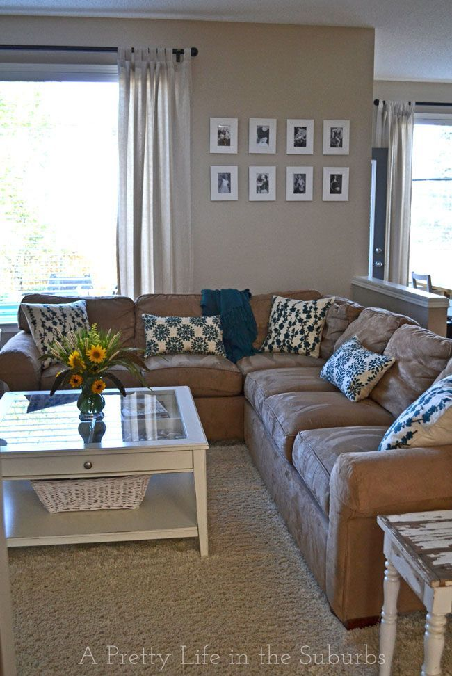 A Late Summer Living Room Refresh {A Pretty Life} - refresh your home for the changing seasons with simple things like new pillows, flowers and simple accents!