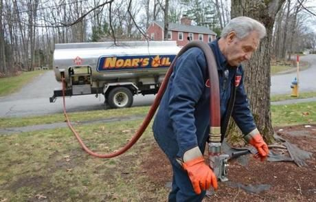 Heating oil prices fall as natural gas prices start to rise https://www.bostonglobe.com/business/2014/11/27/heating-oil-prices-fall-natural-gas-prices-start-rise/hmLlMQwjO6sydMTixnURkJ/story.html